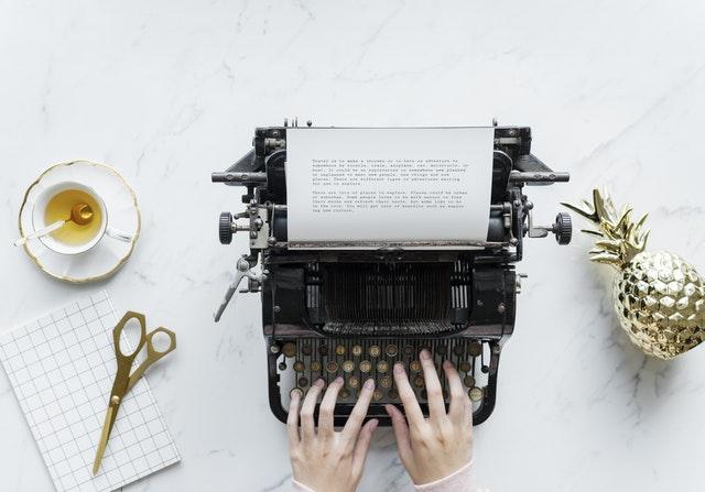 Menarik Perhatian Editor Penerbit di 30 Halaman Pertama