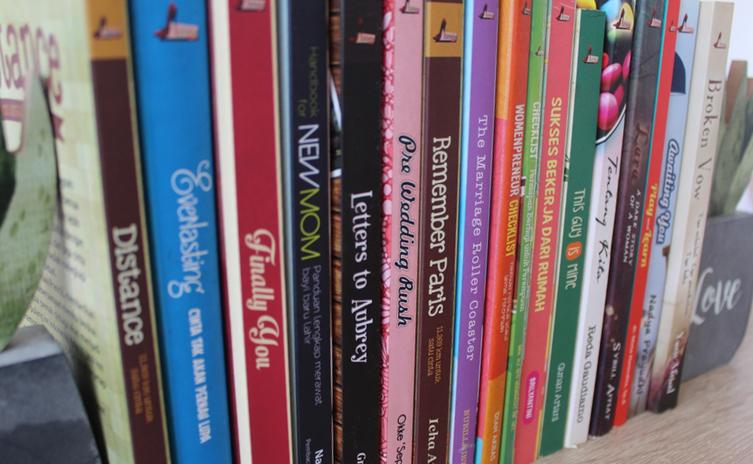 Blog Buku - Pamerkan Minat Bacamu dengan 5 Tip Ini!