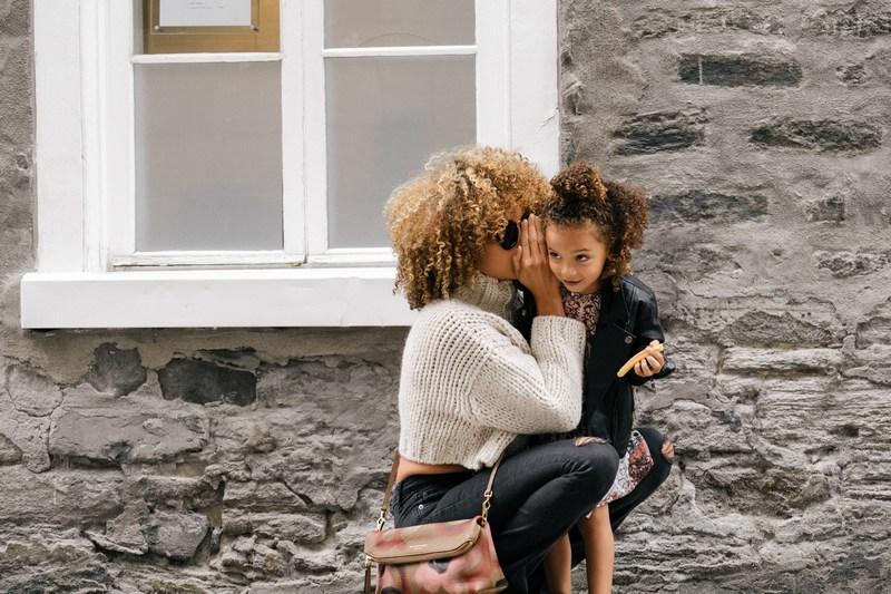 3 Hal tentang Kecemasan Anak Berpisah dari Bunda yang Bekerja