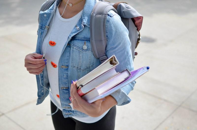 3 Sumber Dana Kuliah yang Bisa Dipertimbangkan Jika Kamu Ingin Melanjutkan Pendidikanmu