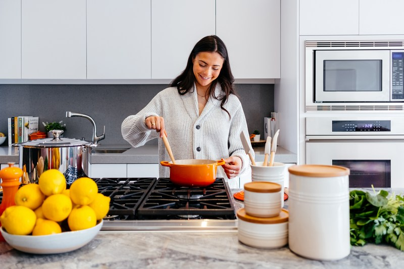 10 Tip Sehat untuk Ibu Bekerja yang Selalu Supersibuk Mengurus Keluarga sekaligus Meniti Karier