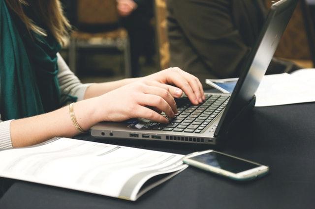 5 Manfaat Hobi Menulis dan Alasan Mengapa Kita Harus Mengembangkannya